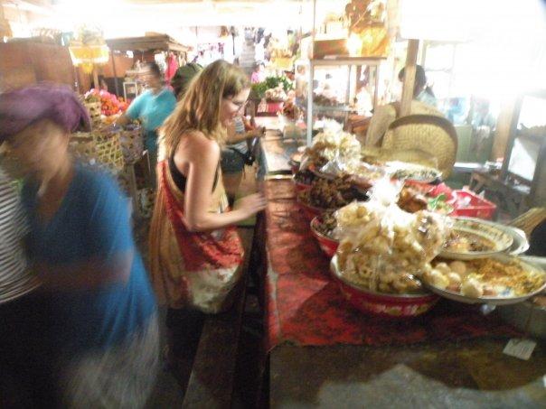 Browsing the market in Ubud, Bali